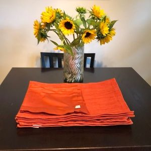 Crate&Barrel 8 Placemats & 4 Napkins  Tiger Lily
